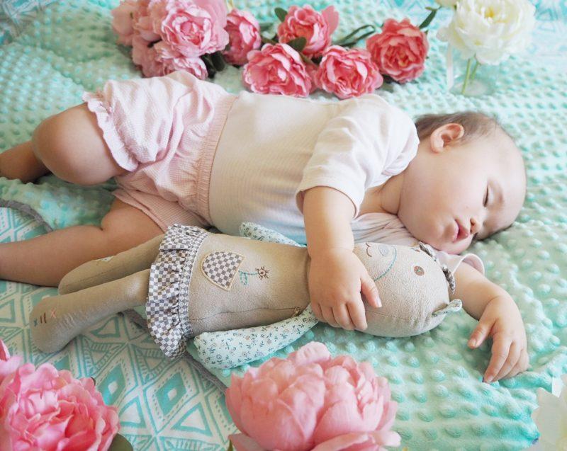 myhummy sleeping baby girl