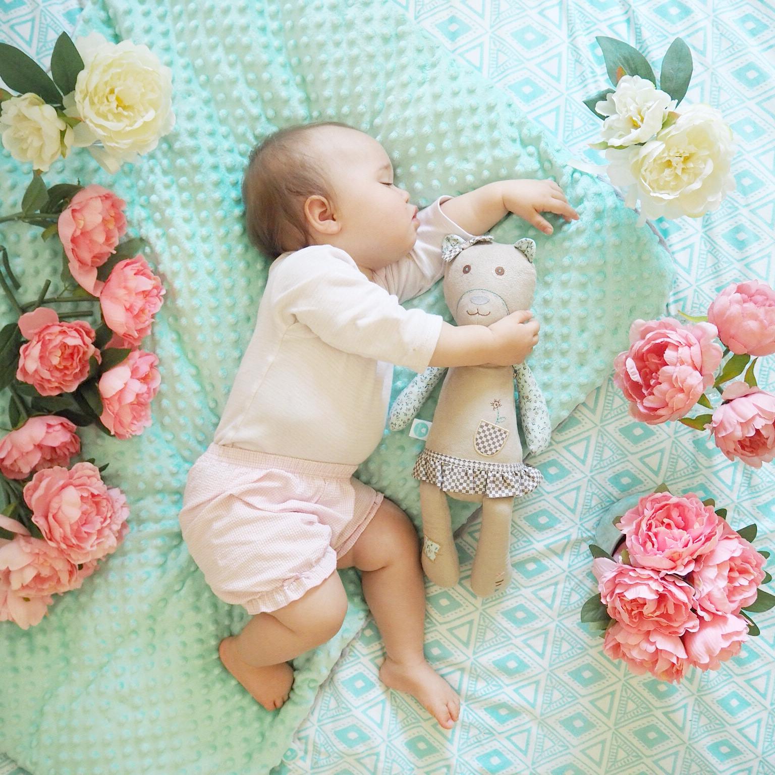 myhummy sleeping baby