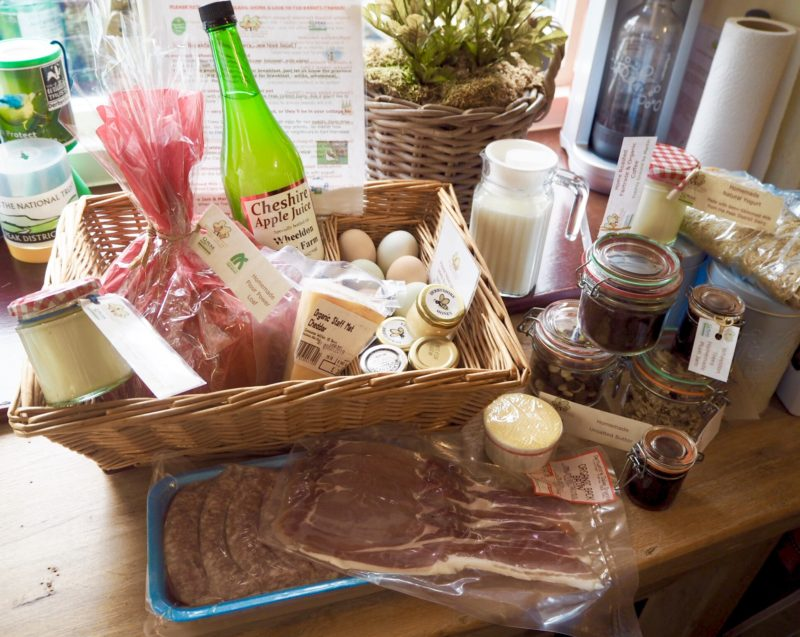 wheeldon trees breakfast hamper