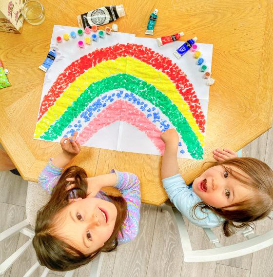 nhs rainbow painting window lockdown covid19 coronavirus quarantine